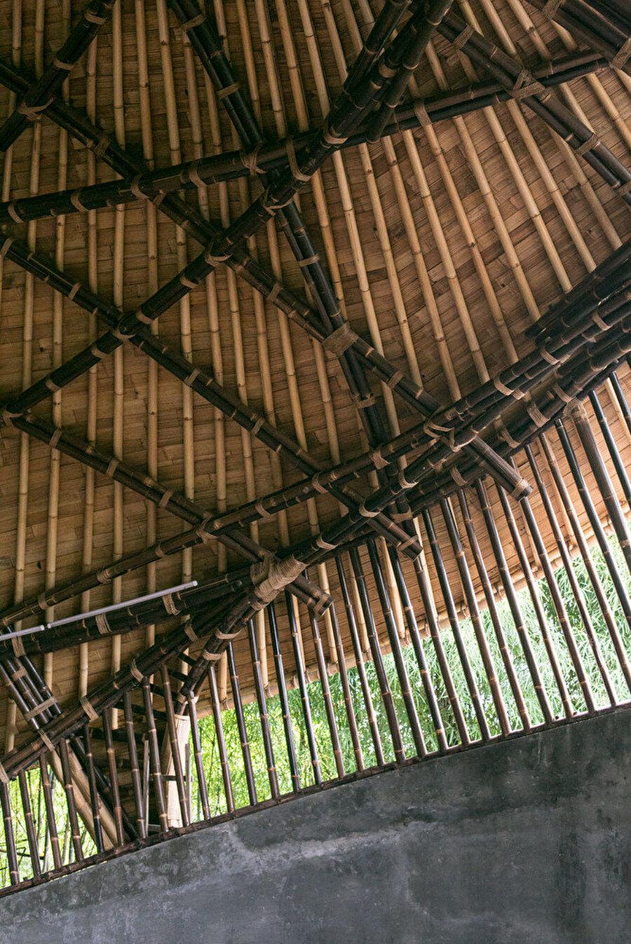 Bambu çatı strüktürü.