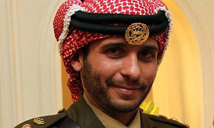 """Veliaht Prens Hamza bin Hüseyin'in """"dış güçlerle birlikte ülkenin güvenliğini hedef alan birtakım faaliyetlere karıştığı"""" ileri sürülüyor."""