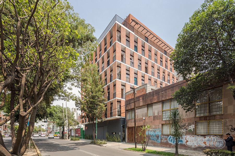 Emiliano Zapata konut binasının caddeden görünümü.