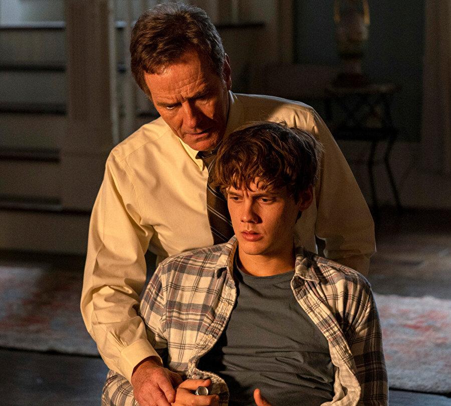 Oğlunun ve kendisinin hayatının tehlike altına girdiğini hisseden yargıcın tavrı ne olurdu?
