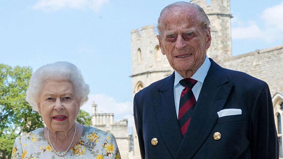 Kraliçe Elizabeth ve eşi Prens Philip