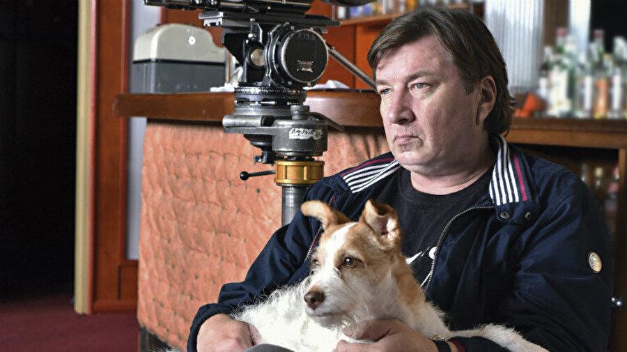 Bağımsız bir yönetmen olarak ilk filmi, Dostoyevski'nin Suç ve Ceza'sının günümüz Helsinki'sinde geçen bir versiyonudur. (1983)