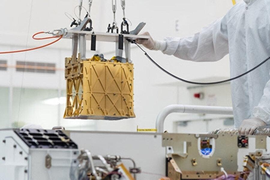 Mars Oksijen Yerinde Kaynak Kullanımı Deneyimi (MOXIE) cihazı