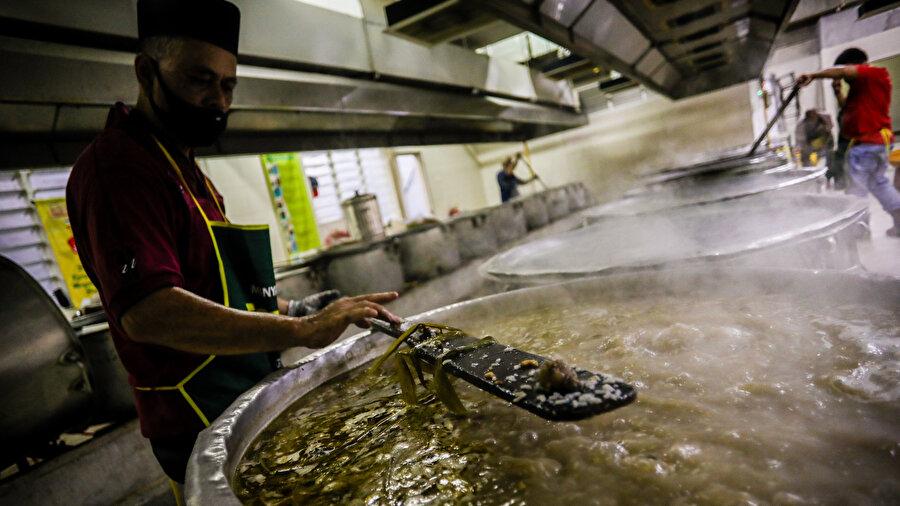 Malezyalıların hafif bir yemek olduğu için genellikle bubur lambuk ile oruç açılır.