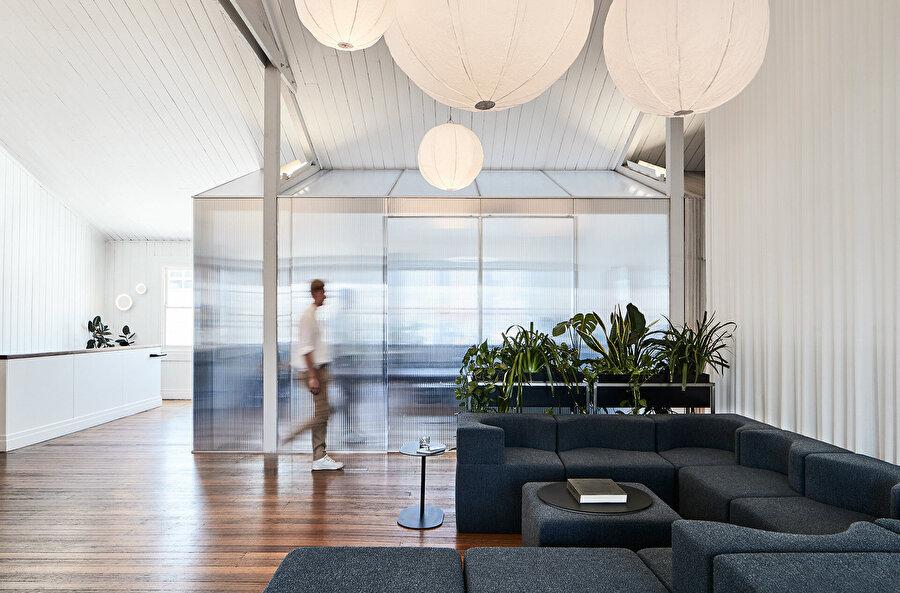 Tasarım, yerel tedarikçiler kullanılarak Melbourne'de üretiliyor.