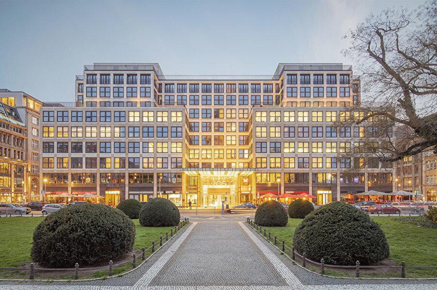 Friedrichstadt-Passagen (Quartier 205), Berlin (Almanya).