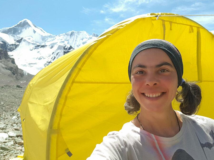 Türk kadın tırmanışlarında pek çok ilkim var. Kadın olarak neden bu kadar çok tırmanış yapıyorsunuz, Türkiye'de başka kadın dağcı mı yok diyorlar bana.