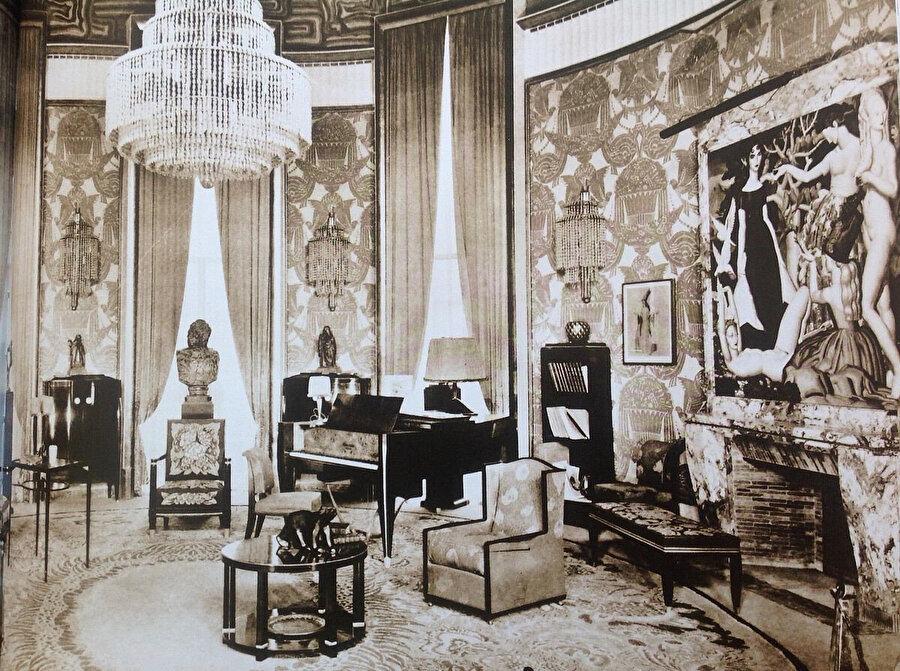 1925 Uluslararası Çağdaş,Dekoratif ve Endüstriyel Sanatlar Sergisi'nden Hôtel du Collectionneur Salonu.