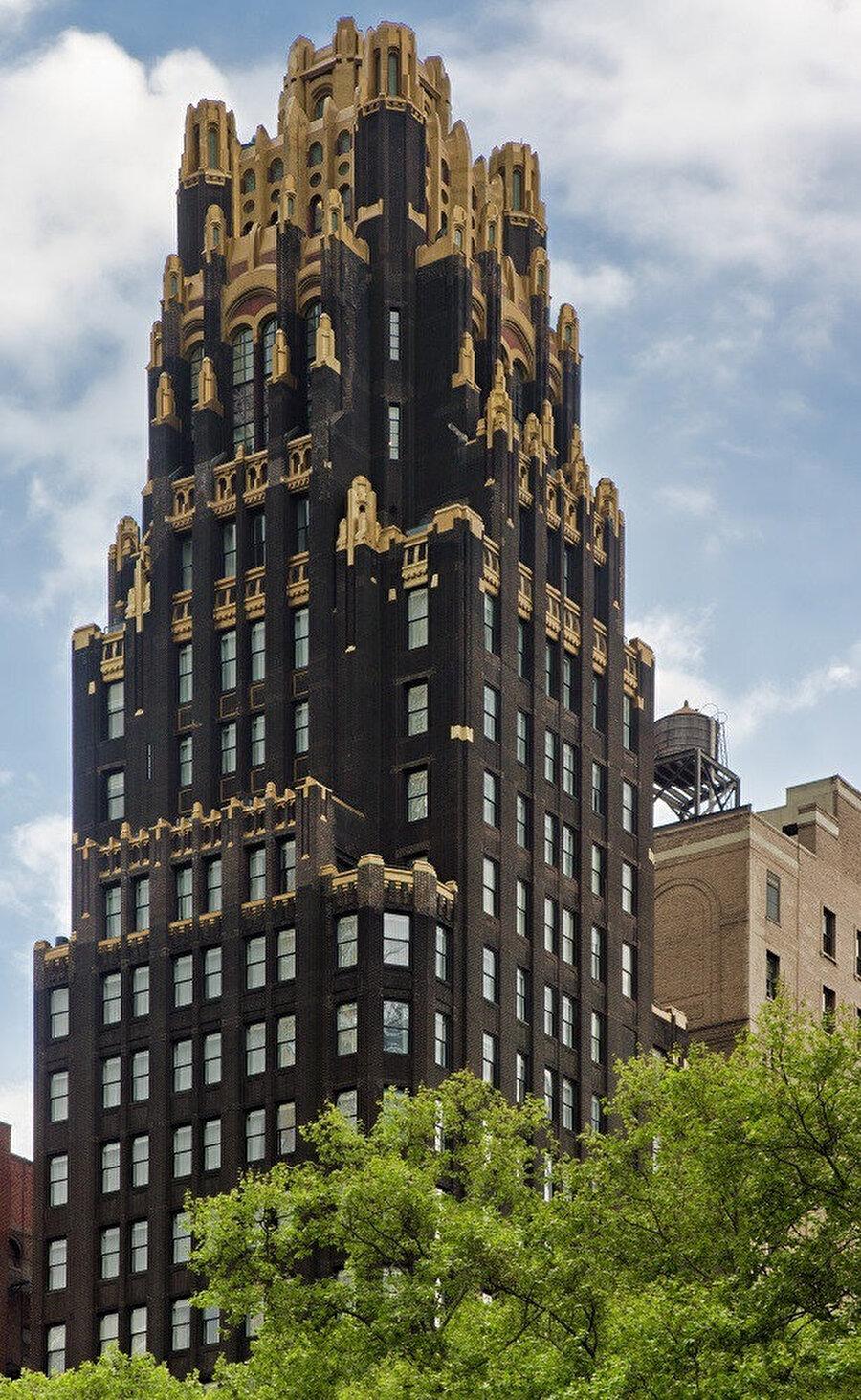 Amerika Birleşik Devletleri'ndeki 1924'ten kalma en eski Art Deco yapısı, Amerikan Radyatör Binası.