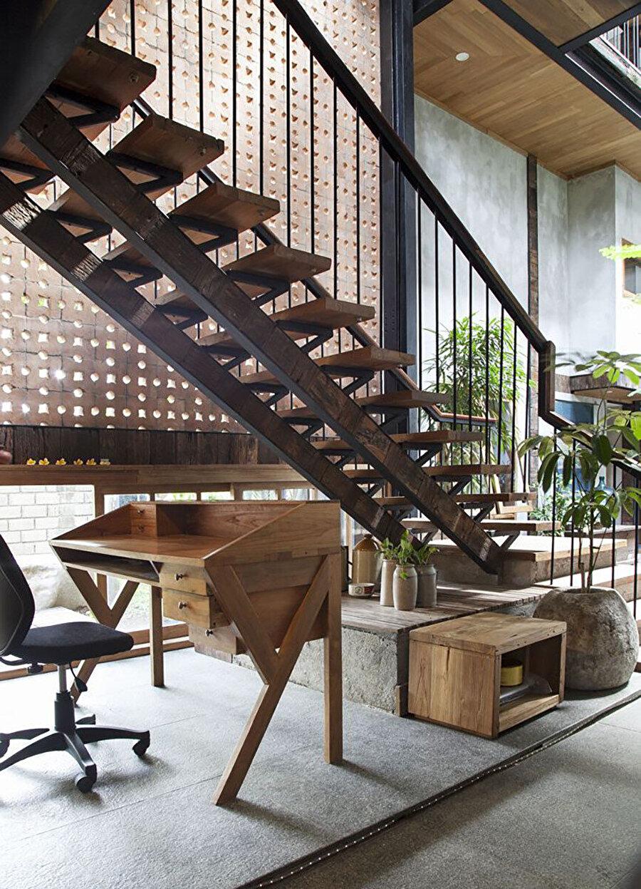 Tercih edilen mobilyalar, apartman kompleksinin mimari dilini tamamlıyor.