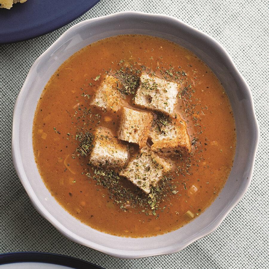 Taze sarımsaklı tarhana çorbası