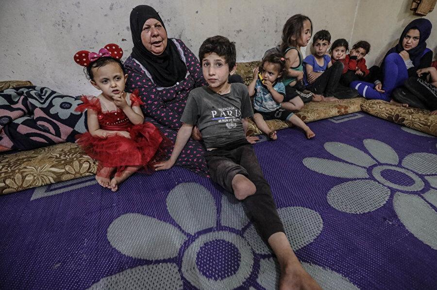 Fatıma Duriye'nin torunlarından biri de Esed rejiminin saldırılarında sağ bacağını kaybetmiş.