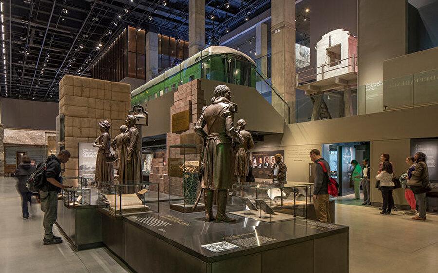 Müze, farklı kültürlerdeki insanların birbirlerini anlamalarına yardımcı oluyor.