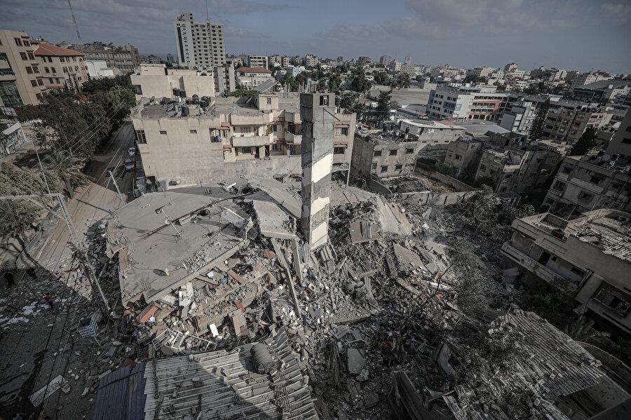 Gazze'de yıkımlar artıyor.