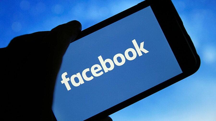 Facebook kullanıcıları paylaşımların şifreli kelimeler kullanarak yaşadıkları kısıtlamaları aşmaya çalışıyor.
