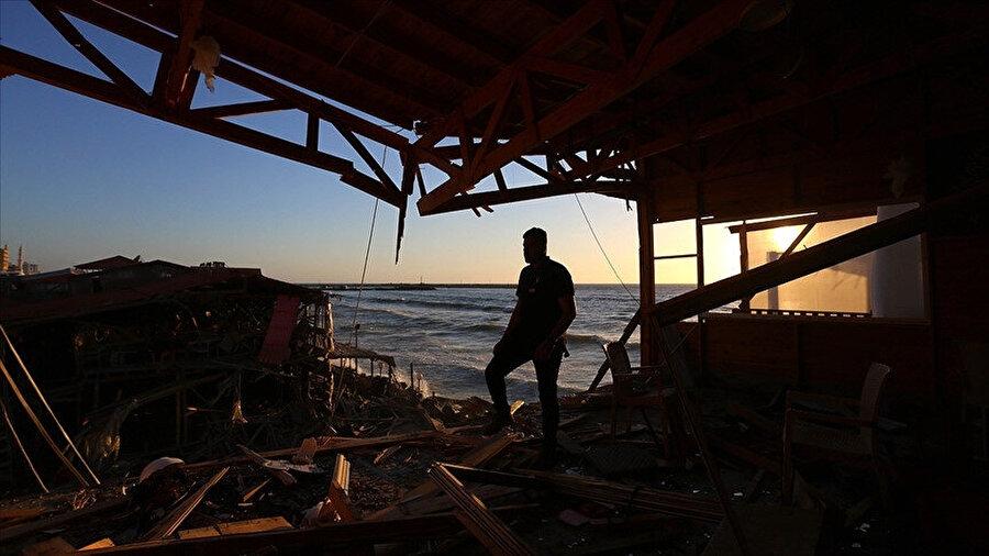 İsrail saldırılarının sebep olduğu yıkım Gazze sahillerinde daha yoğun bir şekilde gözlemleniyor.