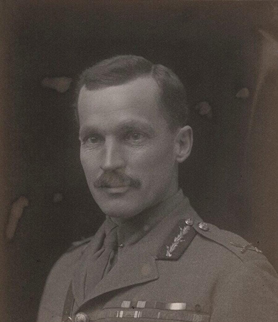 İngiliz ordusunun Kahire İstihbarat Şefi Gilbert Clayton.