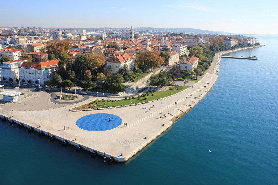 Hırvatistan'da yer alan Zadar şehri, 3000 yıllık bir geçmişe sahip.