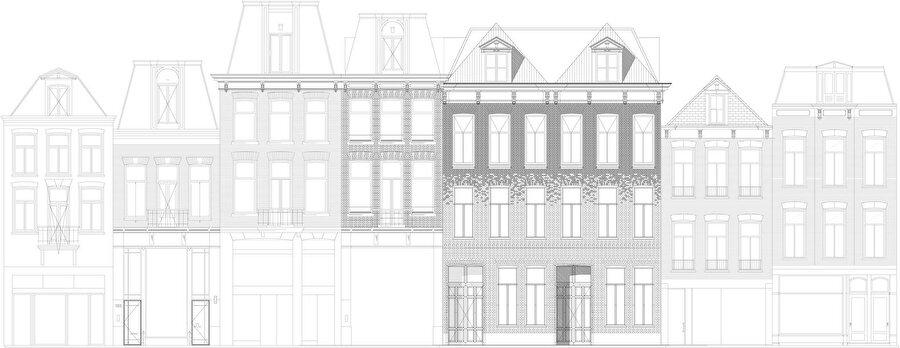 Sokak görünümü. Komşu yapıların zemin katlarındaki orijinallikten uzak değişimler açıkça görülüyor.