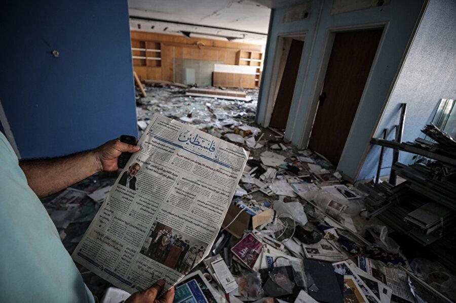 Filistin gazetesinin ofisinden geriye kalanlar.