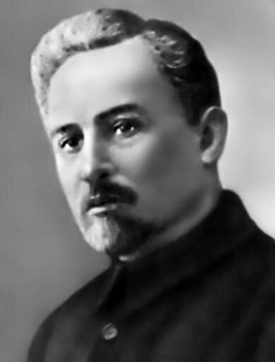 Stalin'in emriyle Kazakistan'da yönetime getirilen Bolşevik Filip Goloşekin.