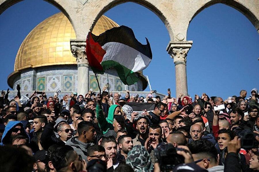Son aylarda İsrail'e karşı gerçekleştirilen öfke cuması protestolarından bir kare.