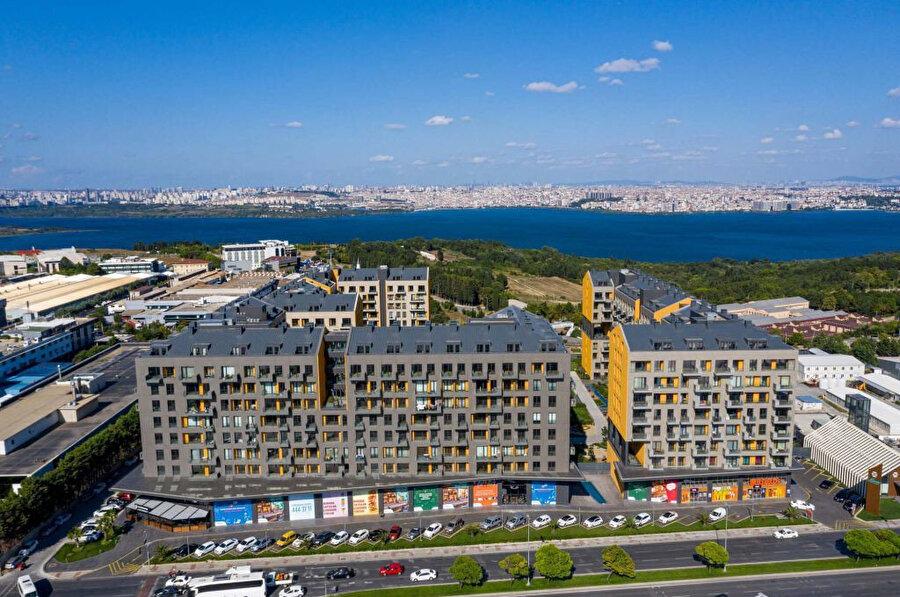 Konut kompleksi İstanbul Üniversitesi Avcılar Kampüsü'nün yakınında bulunuyor.