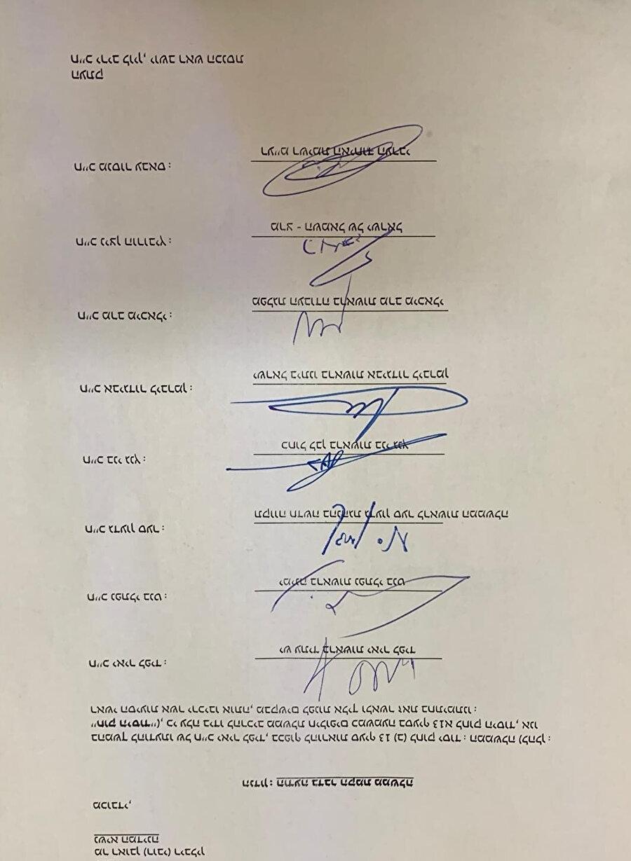 Kualisyon için toplanan parti liderlerinin imzaları.