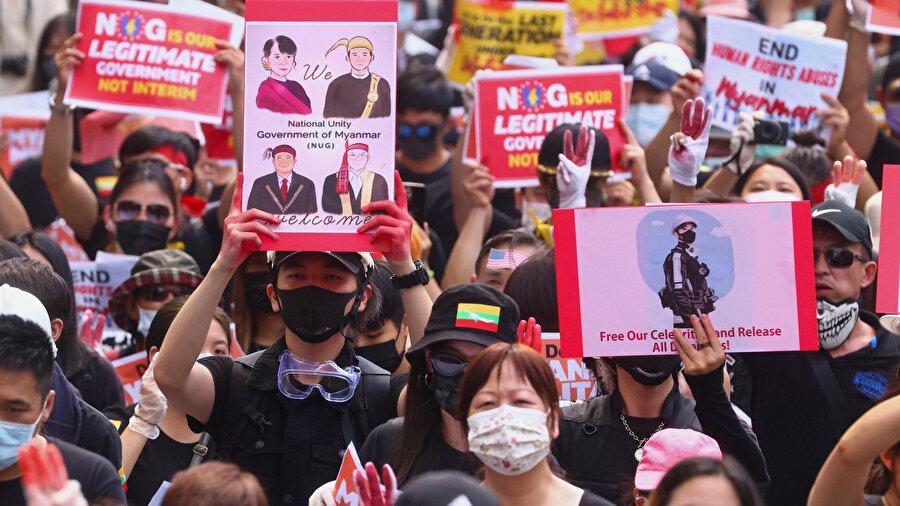 Ulusal Birlik Hükümeti destekçileri.