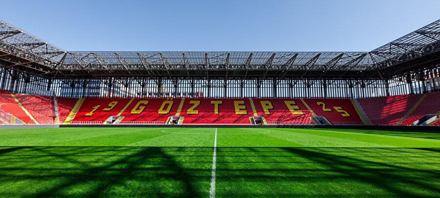 İzmir'in yeni simge yapılarından biri olması hedeflenen stadyumun yeşil sahası.