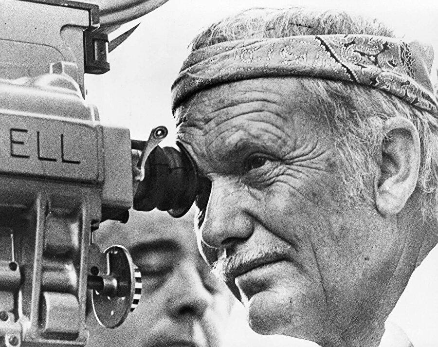 Aralık 1984 yılında ölen Peckinpah, ölmeden önce Stephan King'in Gunslinger serisinin sinemaya uyarlanması için çalışıyordu.