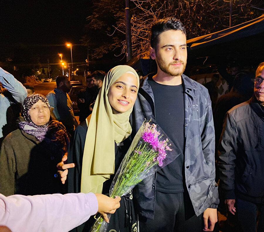 Muna ve ikiz kardeşi Muhammed el-Kurd'un serbest bırakıldıkları anlar.
