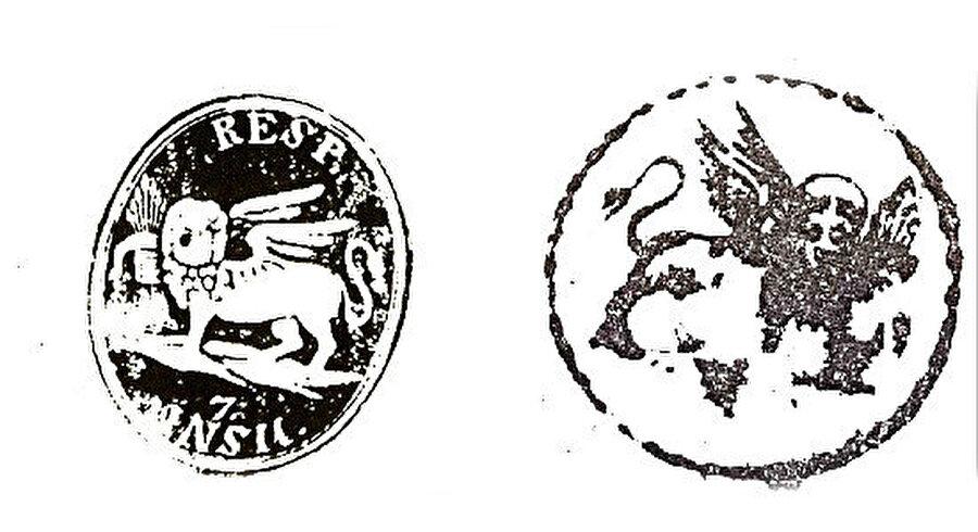 Aslanlı mühürler: Yedi Ada Cumhuriyeti'nin yazışmalarda kullandığı iki mühür.
