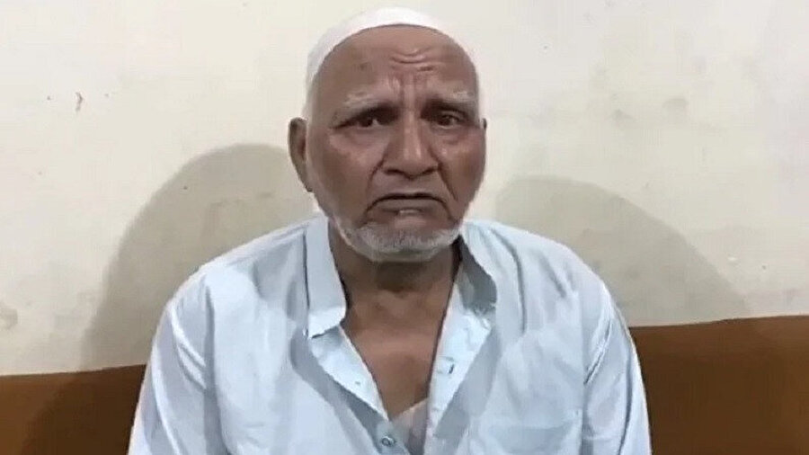 Hindu çeteler tarafından kaçırılıp şiddet gören, sakalları kesilen 75 yaşındaki Abdul Samed.