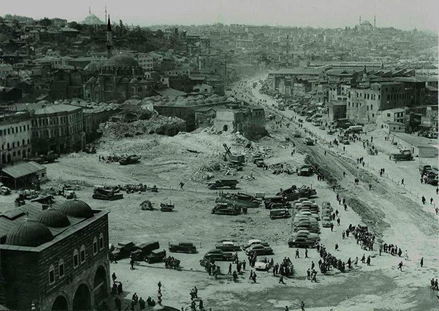 İstanbul'u Avrupa'nın rakipsiz şehri mevkiine ulaştıran gelişmeler fetihten sonradır.