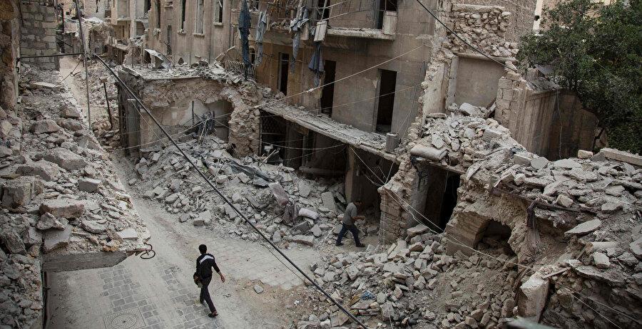 Nusayriler, Şiiler ve Ruslar seni bombalarken gelemedik ey Halep!