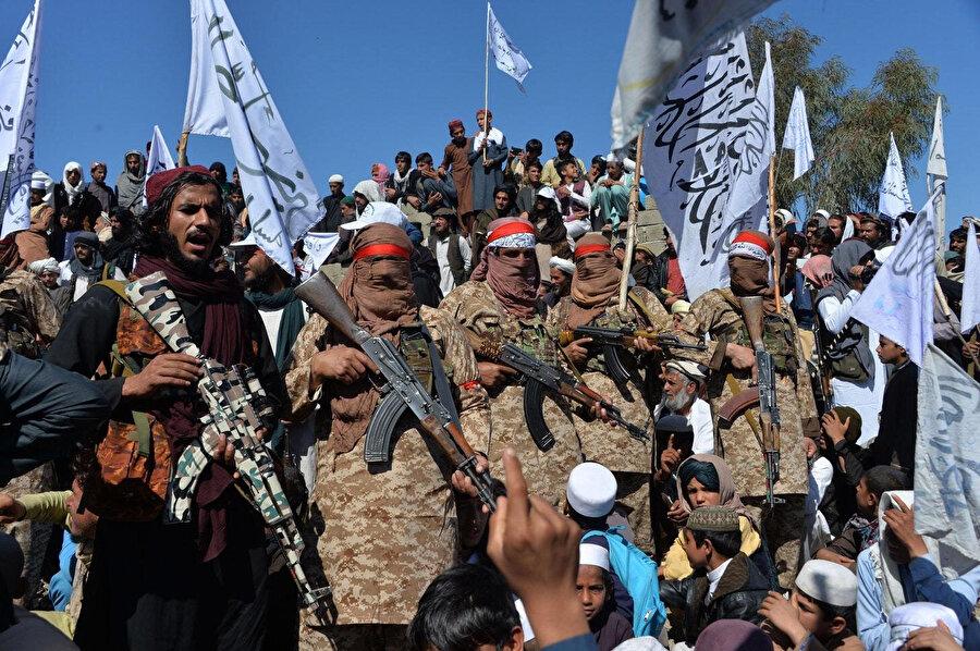 Birleşmiş Milletler verilerine göre, Taliban kent merkezleri dışarıda tutulduğunda dahi ülke topraklarının yüzde 50 ila 70'ini kontrolünde bulunduruyor.