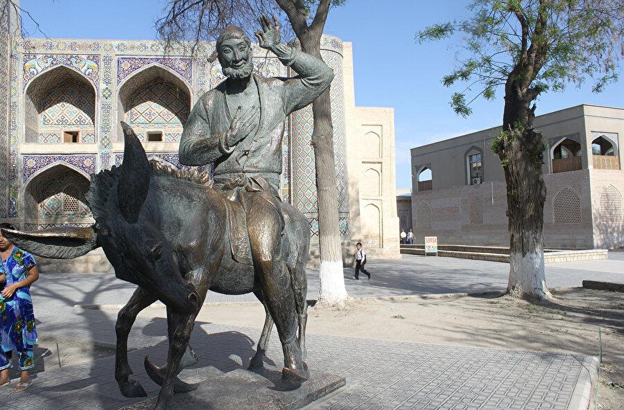Buhara'da yer alan Nasreddin Hoca heykeli