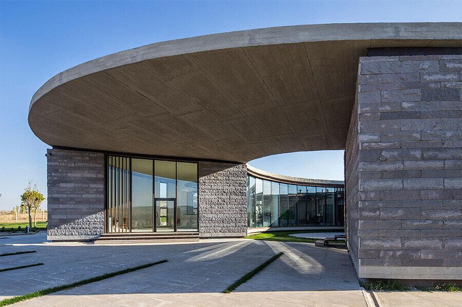 38°30° Çiftliği üretim, enerji ve geri dönüşüm alanında World Architecture Festival 2017 kazananı oldu.