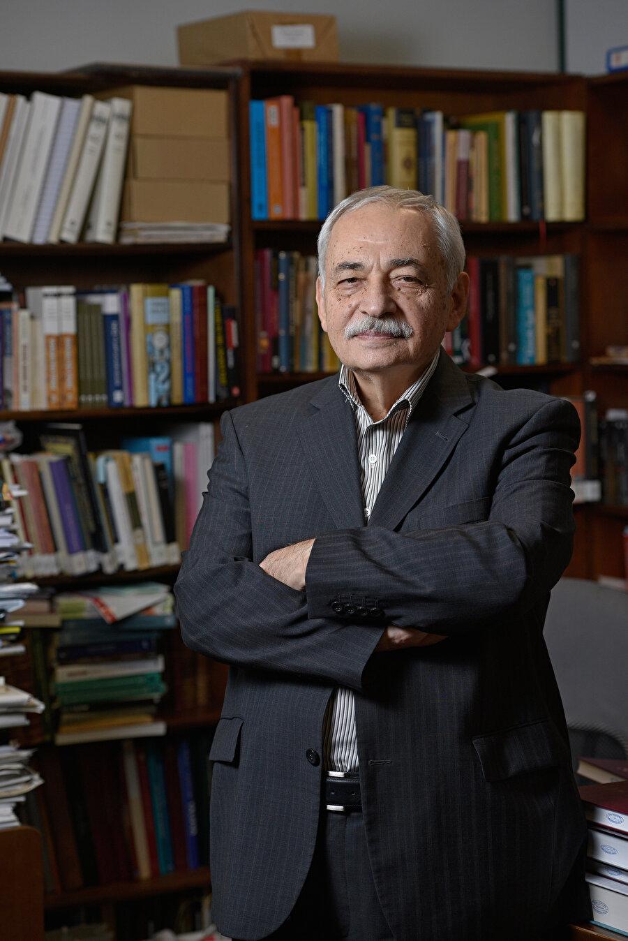 İsmail E. Erünsal (Fotoğraf: Sedat Özkömeç)