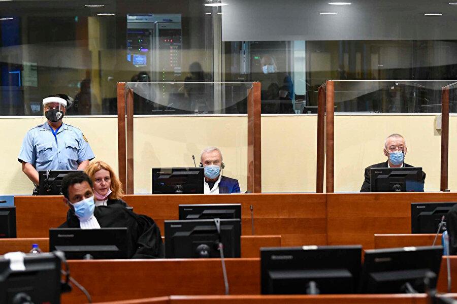 ICTY, 2015'te Stanisic ve Simatovic'in yeniden yargılanmasına karar vermiş ve iki Sırp yetkilinin yeniden yargılanma süreci 2017'de başlamıştı.