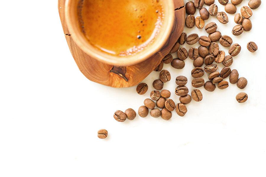 Gerçek kahvenin tadını almayanlar için bu sadece güzel bir rayihadan ibarettir.