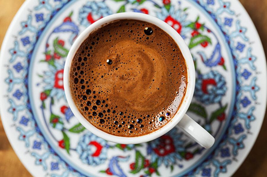 Göz bebeğimiz Türk kahvesinde neler oluyor?