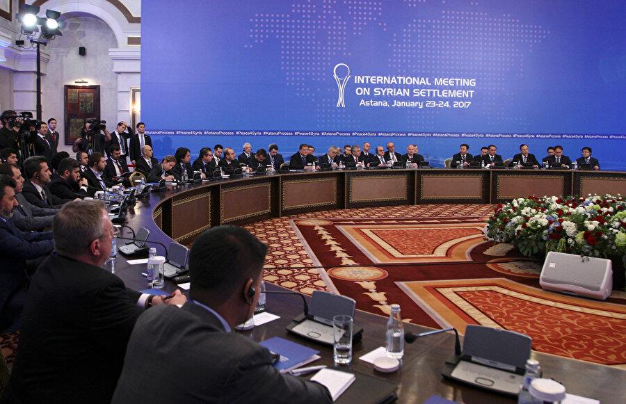 Astana Görüşmeleri 2017 yılında Türkiye, Rusya ve İran garantörlüğünde başlamıştı.