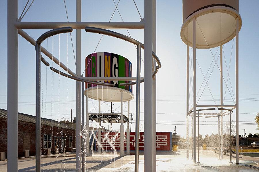 Rogers, bir zamanlar demiryolu su durağı ve elma şarabı üretim merkezi olarak kullanılıyordu.