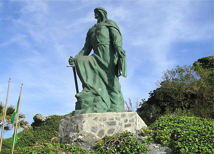 İspanya'nın Almunecar kentindeki I. Abdurrahman heykeli.