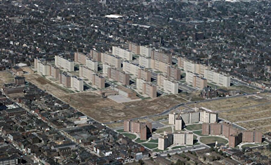 Wendell O. Pruitt Evleri ve William Igoe Apartmanları.