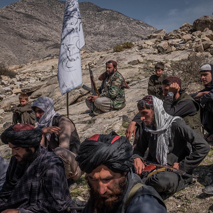 Taliban Afganistan'ın yüzde 80'inin üzerinde alan hakimiyeti kurduğunu iddia ederken, Afgan hükümet birimleri ise bunu reddediyor ve Taliban'ın elindeki bölgelerde kalıcı bir güç unsuru olmadığını iddia ediyor.