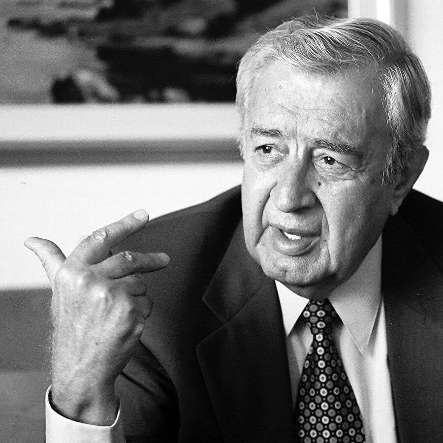 Mustafa Akkad (1930-2005).