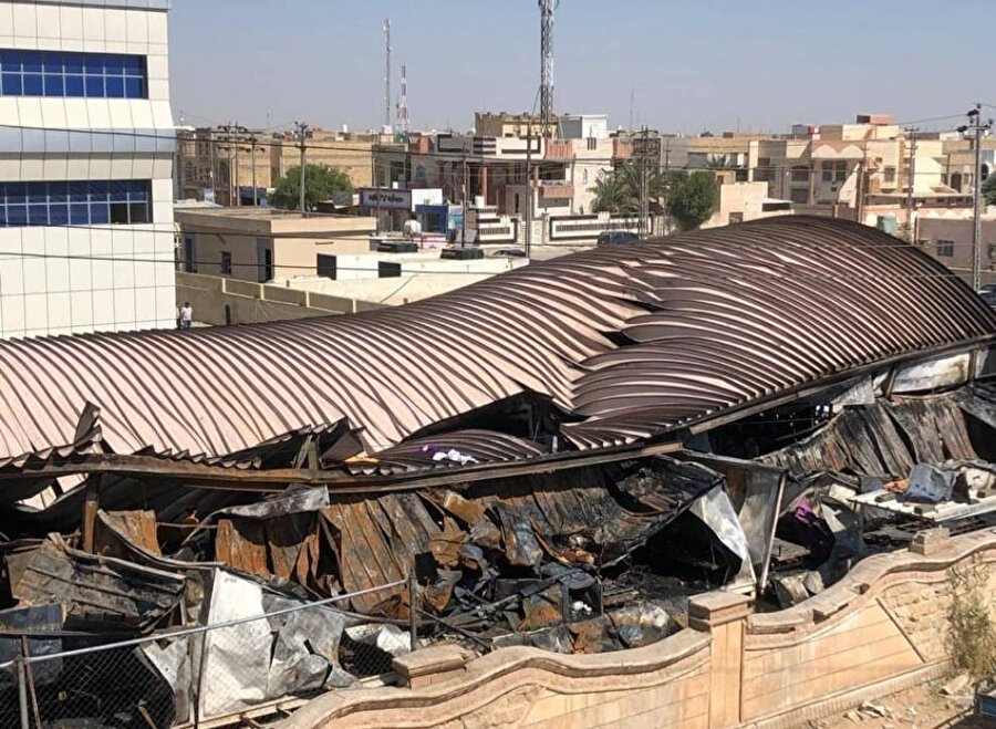 Yangın sonrası hastanede oluşan hasarın bir bölümü.